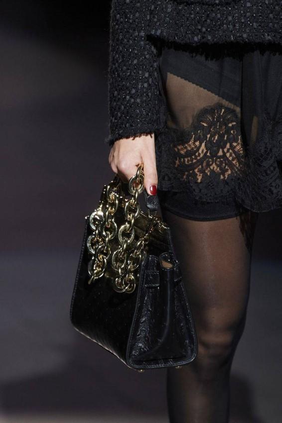 الحقيبة مع اليد المعدنية من Dolce & Gabbana