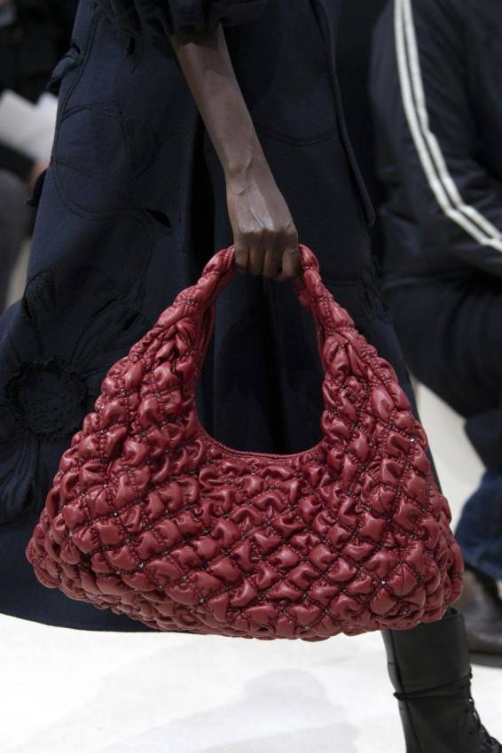 حقيبة منValentino