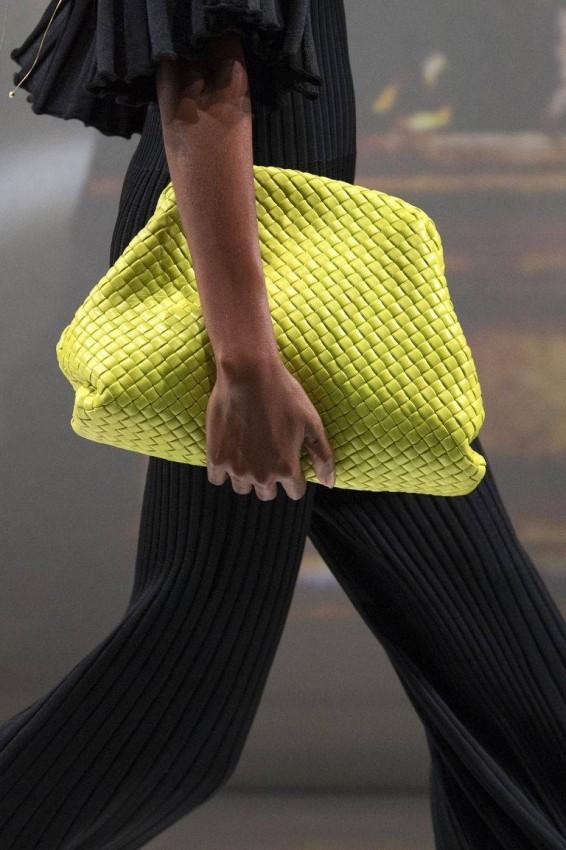 حقيبة البوتش من Bottega Veneta