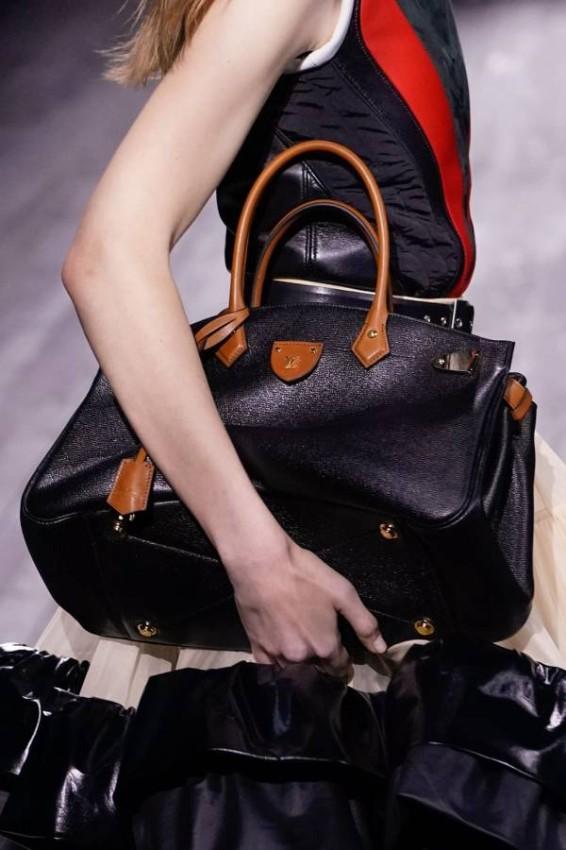 Louis Vuitton حقيبة كبيرة من لويس فيتتون