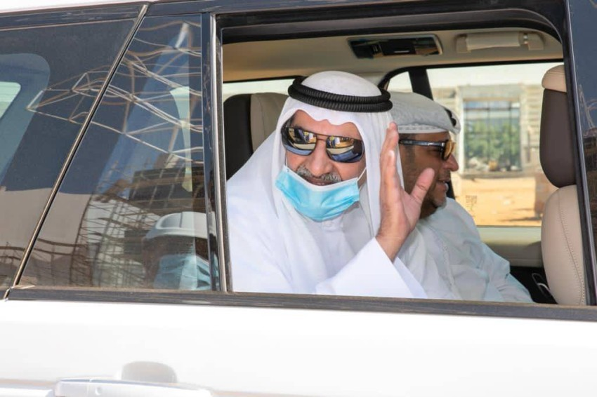 حمد بن محمد الشرقي متفقداً استاد دبا الفجيرة. (الرؤية)