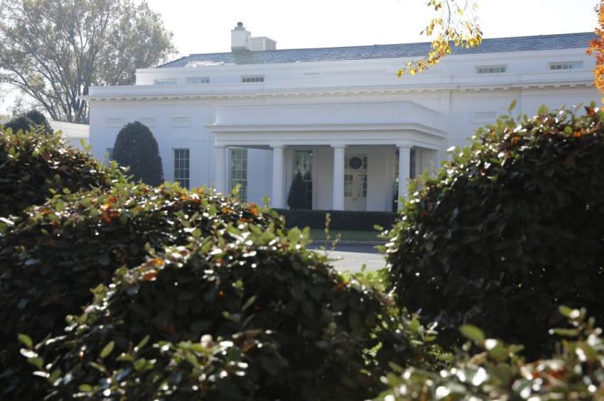 البيت الأبيض - POOL