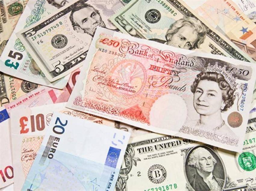 الدولار الأمريكية مقابل الجنيه.