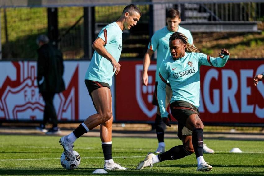 رونالدو في تدريبات منتخب البرتغال. (إ ب أ)