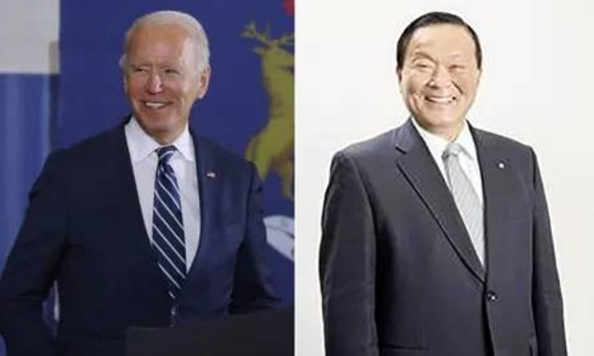 جو بايدن الأمريكي والياباني.