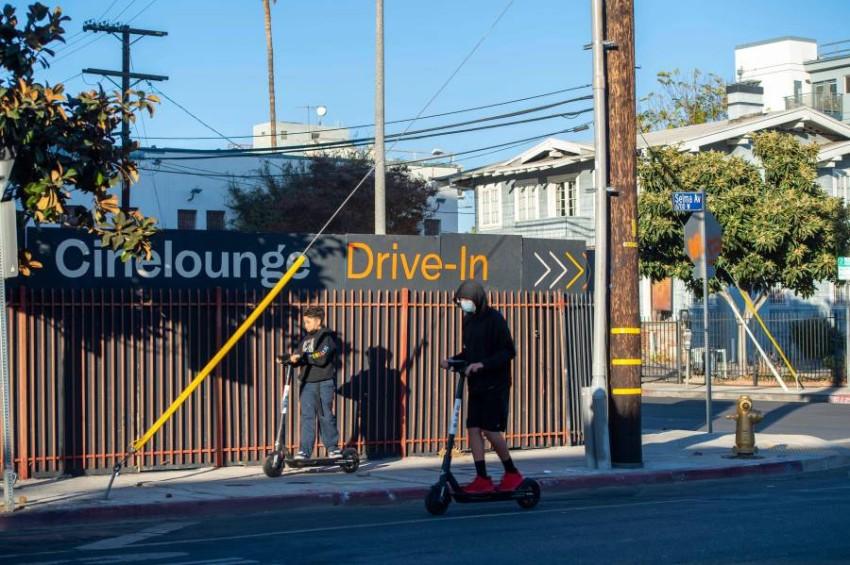 إلزام سكان الأماكن المكتظة في ولاية كاليفورنيا بالبقاء في المنازل - أ ف ب.