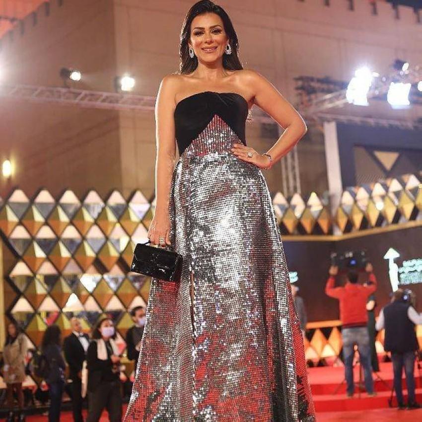 إنجي المقدم بفستان براق باليوم الرابع لمهرجان القاهرة 2020