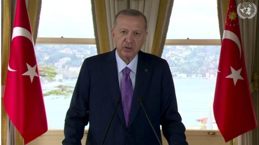 أزمات خارجية وداخلية تطبق على أردوغان. (أ ب)