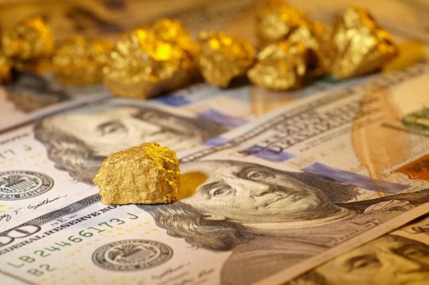 الذهب والعملات