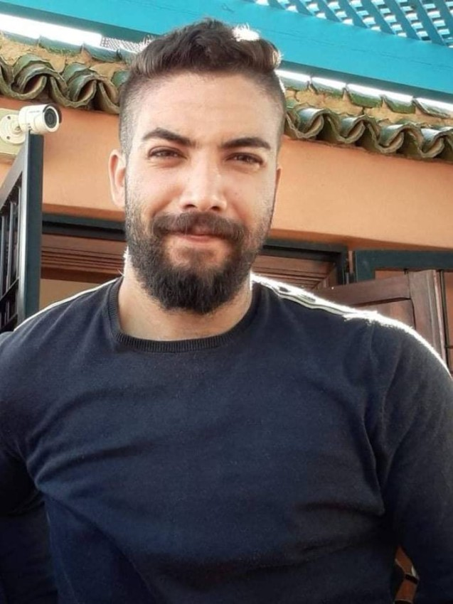 الشاب المغربي حمزة الحساني.