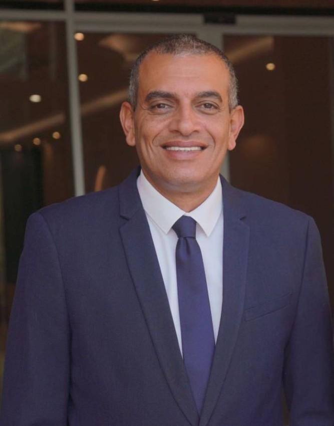 الدكتور أحمد يوسف.