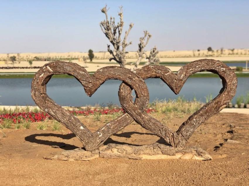 بحيرة الحب صحراء دبي