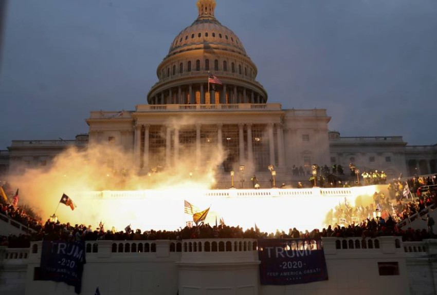 عنف غير مسبوق في معقل الديمقراطية الأمريكية. (رويترز)