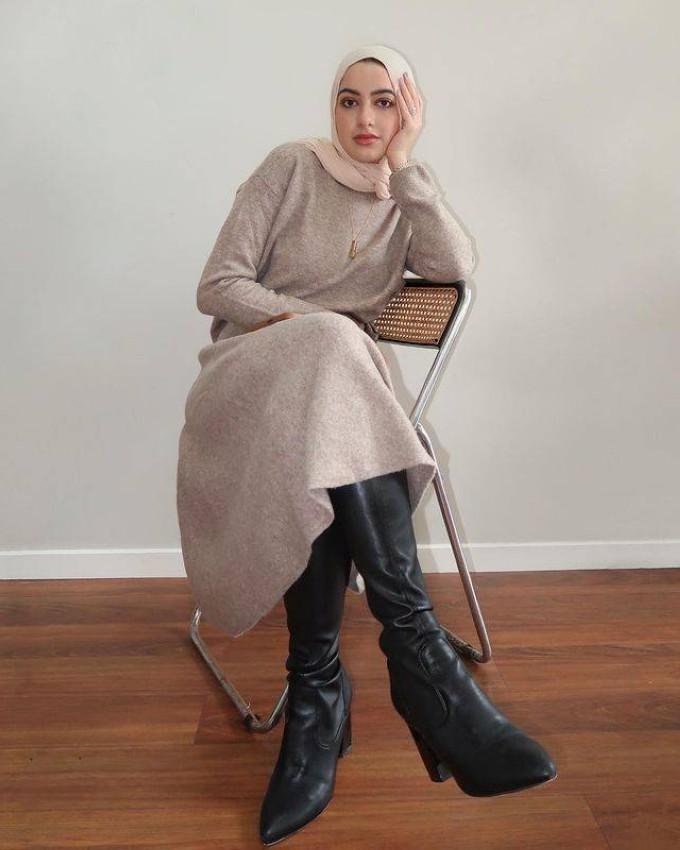 بوت الساق مع الفساتين الشتوية من سمر البارشا.