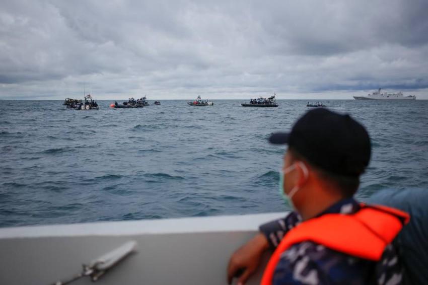 استمرار البحث عن الصندوق الأسود للطائرة الإندونيسية - أ ب.