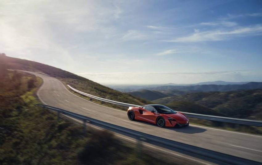 McLaren-Artura-5-PHEV-CarScoops