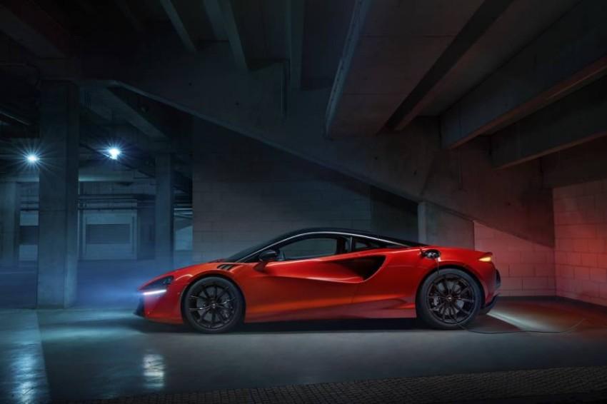 McLaren-Artura-3-PHEV-CarScoops