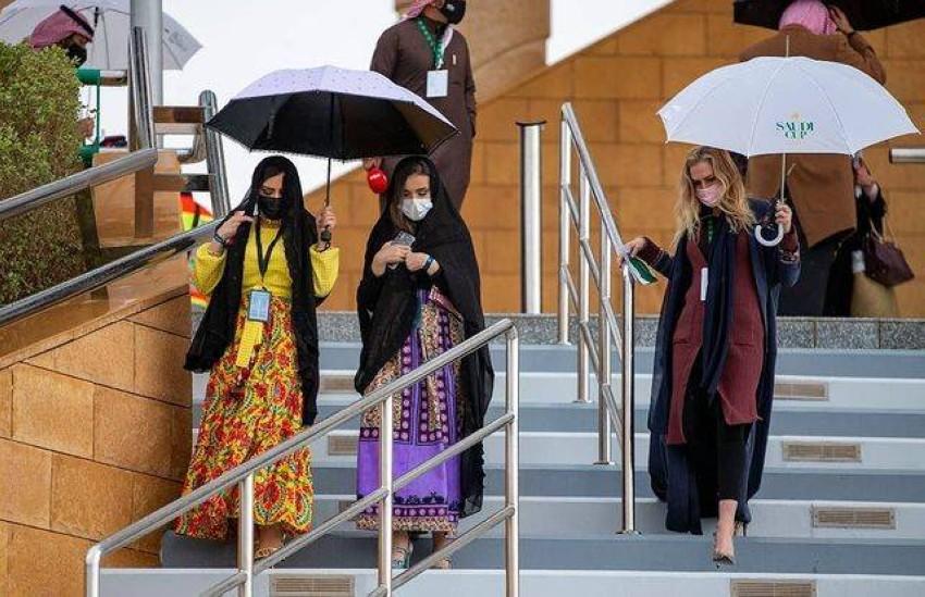 أزياء أنيقة للسيدات من كأس السعودية