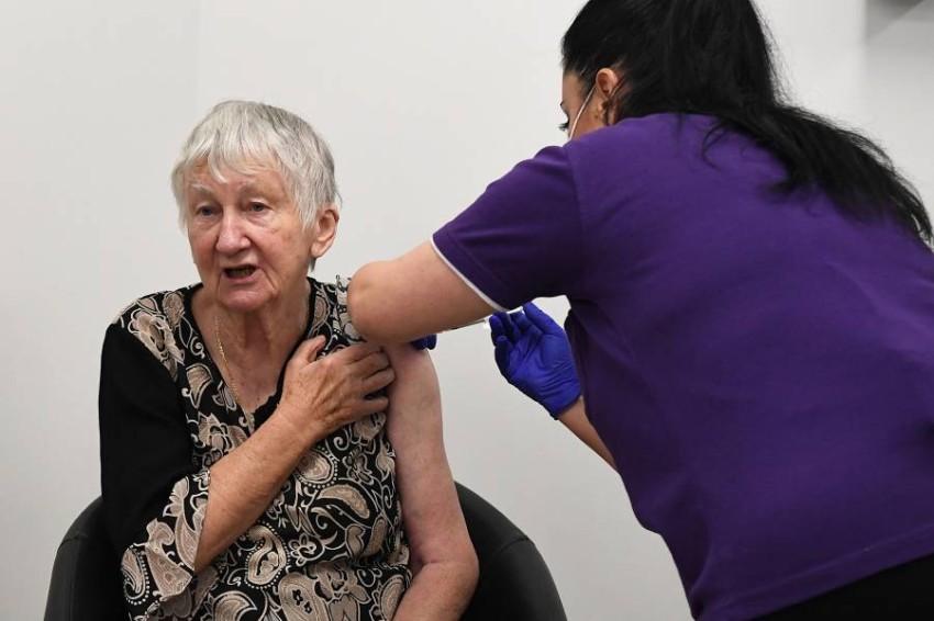 ماليزيا تطلق برنامج التطعيم ضد فيروس كورونا - EPA