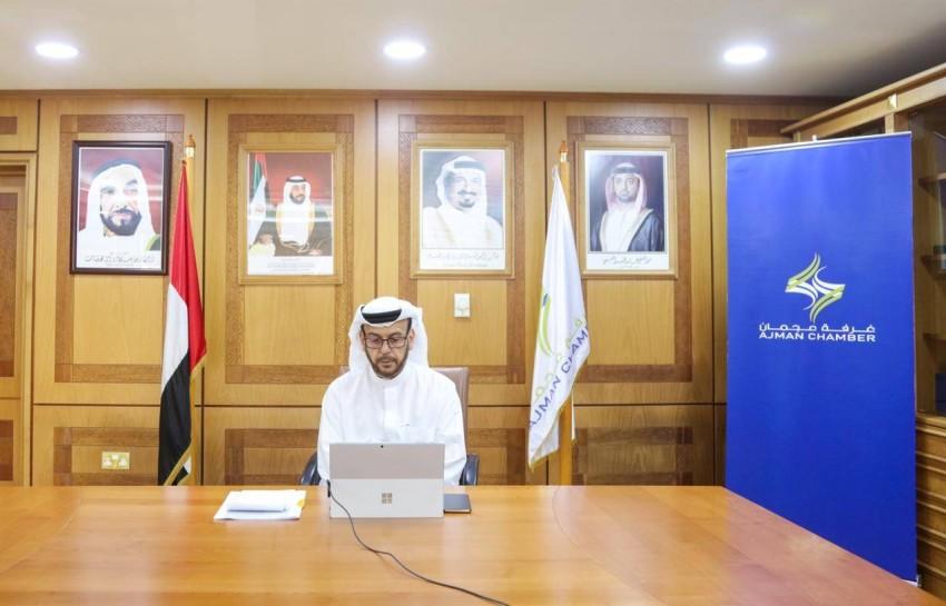عبدالله المويجعي يترأس الحلقة النقاشية. (من المصدر)