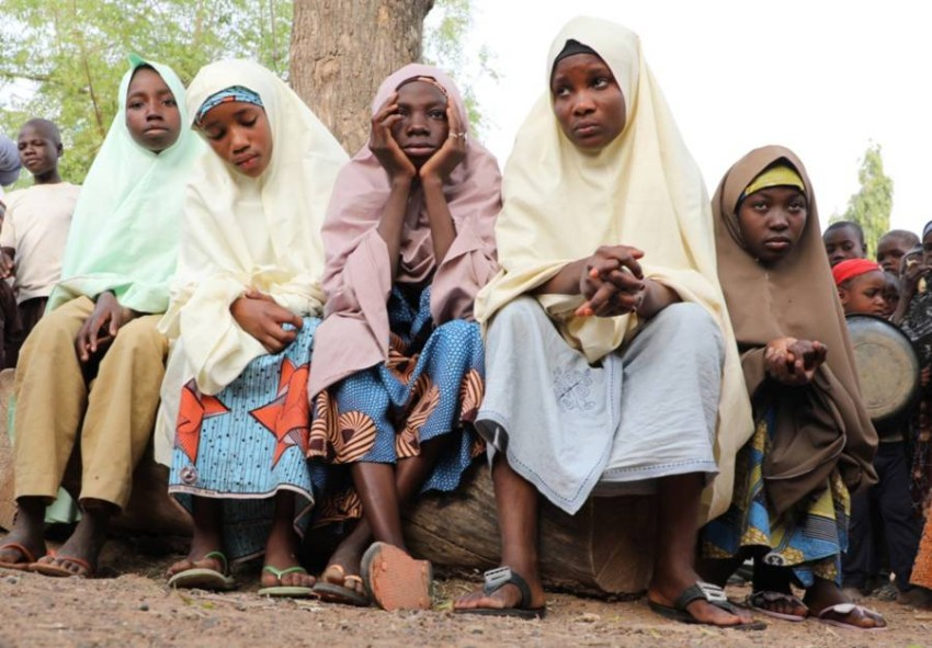 فتيات نجحن في الفرار من عملية الاختطاف. (إي بي إيه)