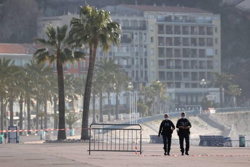 السلطات الفرنسية تحقق في هجوم استهدف مصوراً صحفياً. (أ ف ب)