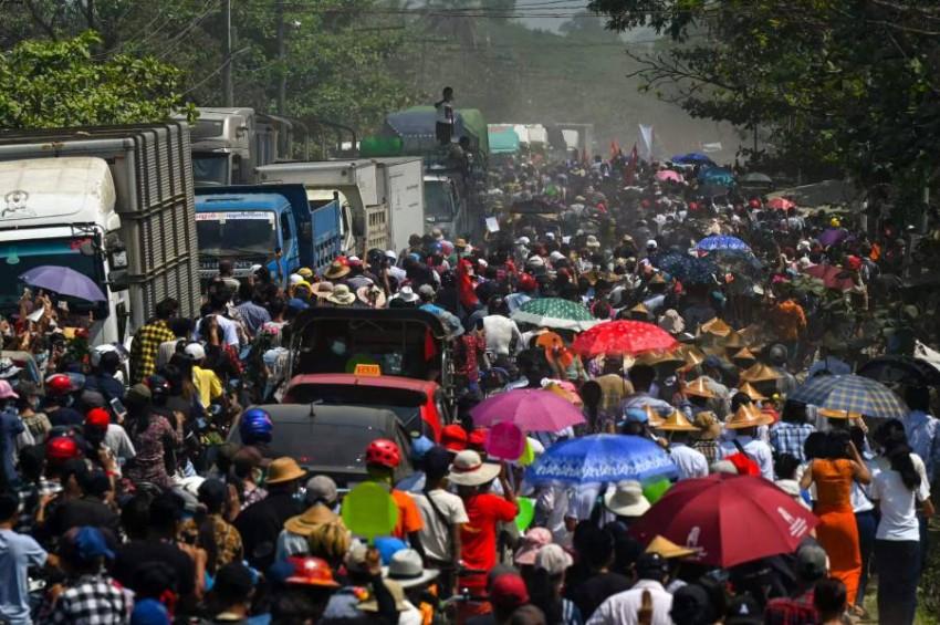 الاحتجاجات في ميانمار - رويترز.