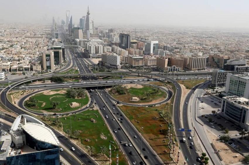 السعودية تسجل إصابات جديدة بكورونا. (رويترز)