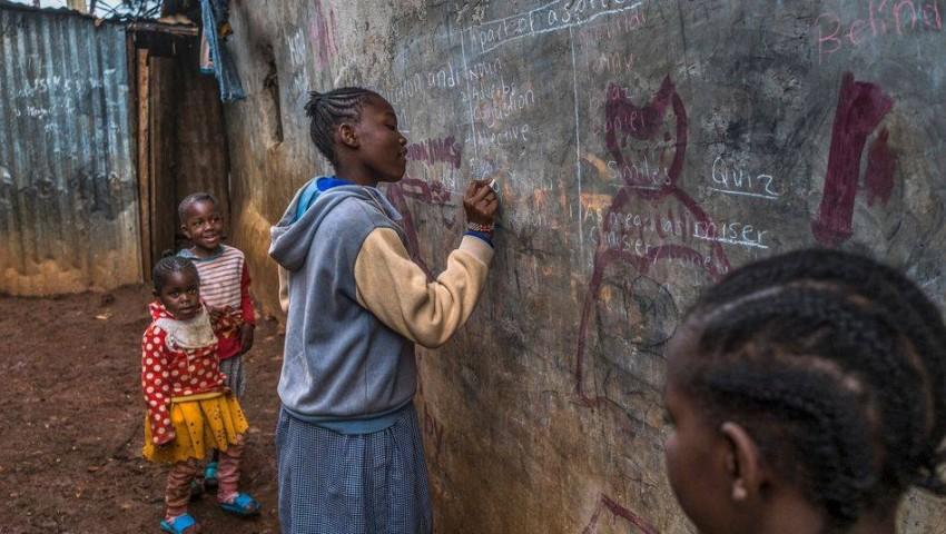 التعليم في المنزل غير مجدٍ لملايين الأطفال. (دير شبيغل)
