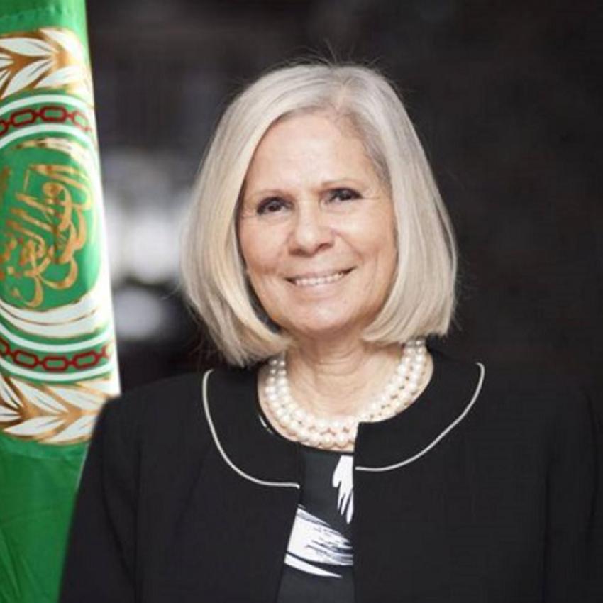 السفيرة هيفاء أبوغزالة.