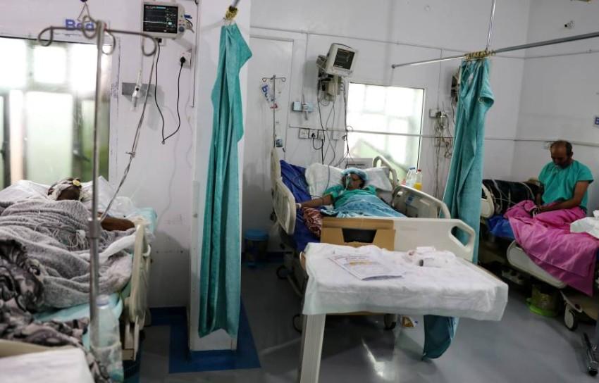 النظام الصحي في اليمن والذي كان بالأصل ضعيفاً جداً بسبب سنوات من القتال قد انهار بالكامل - رويترز.