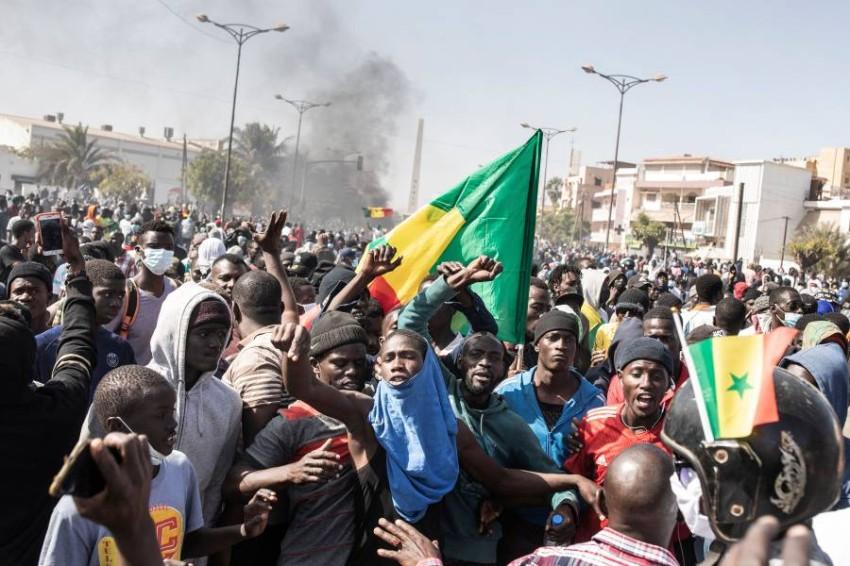 دعت سفارات الاتحاد الأوروبي والولايات المتحدة إلى «العودة للهدوء والحوار» في البلاد. (أ ف ب)