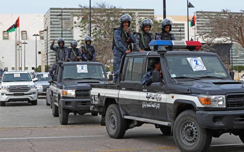 قوات الأمن الليبية تحيط بمركز المؤتمرات في سرت. (أ ف ب)