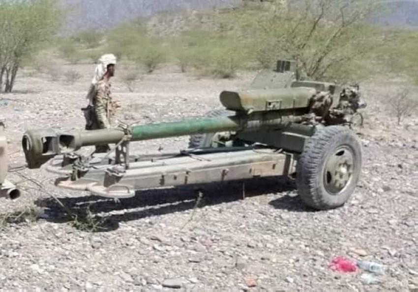 مدفعية استولت عليها قوات الشرعية من الحوثيين في تعز