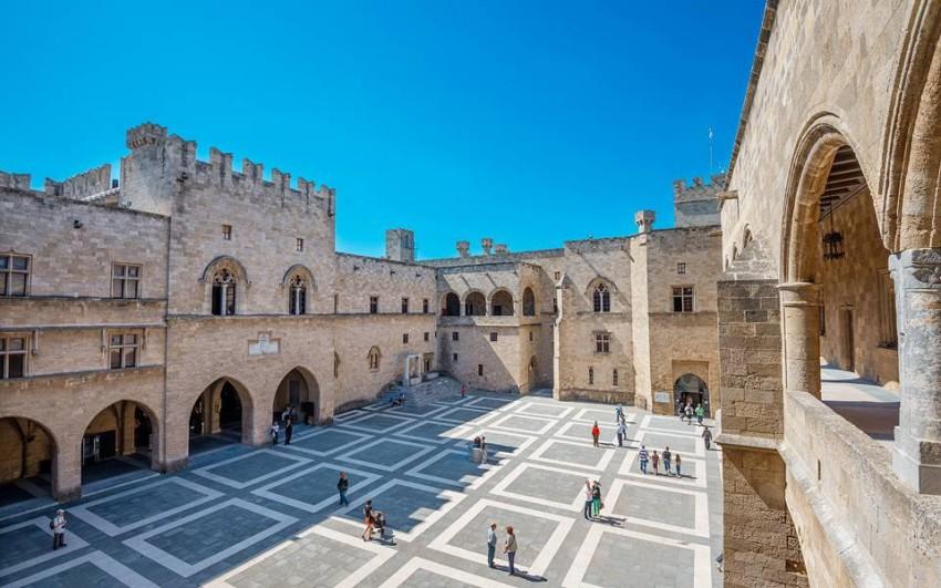 قصر السيد الأكبر لفرسان رودس