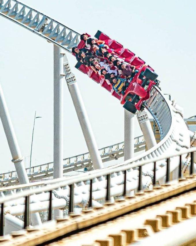 أسرع أفعوانية في العالم في Ferrari World Abu .Dhabi