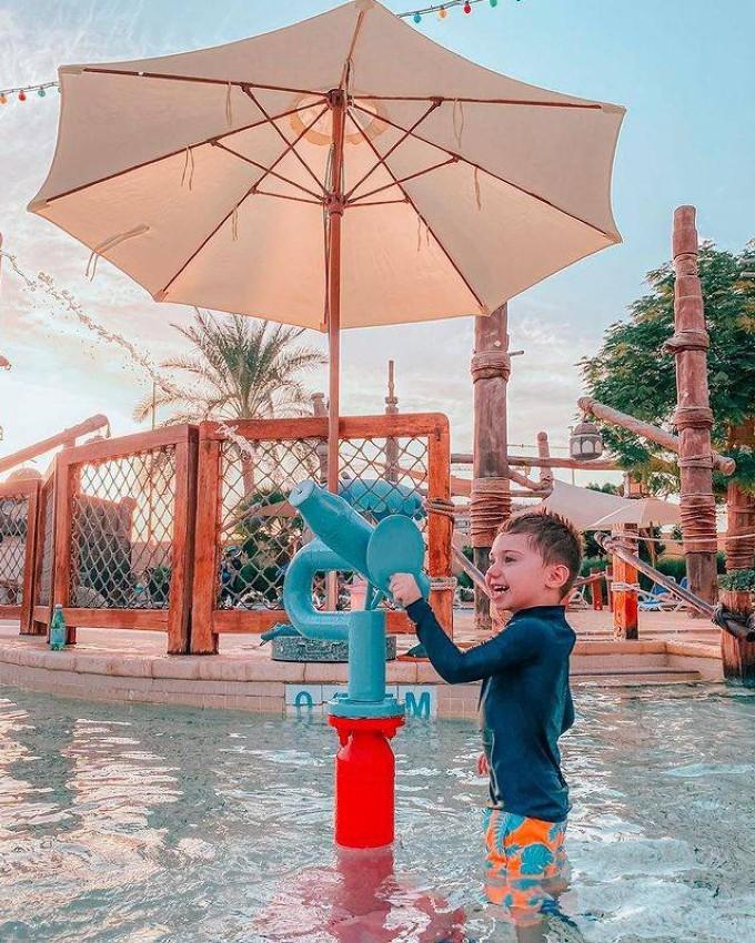 المدينة المائية .Yas Waterworld Abu Dhabi