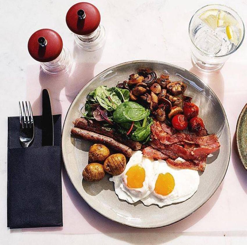 الفطار في فيلا 515