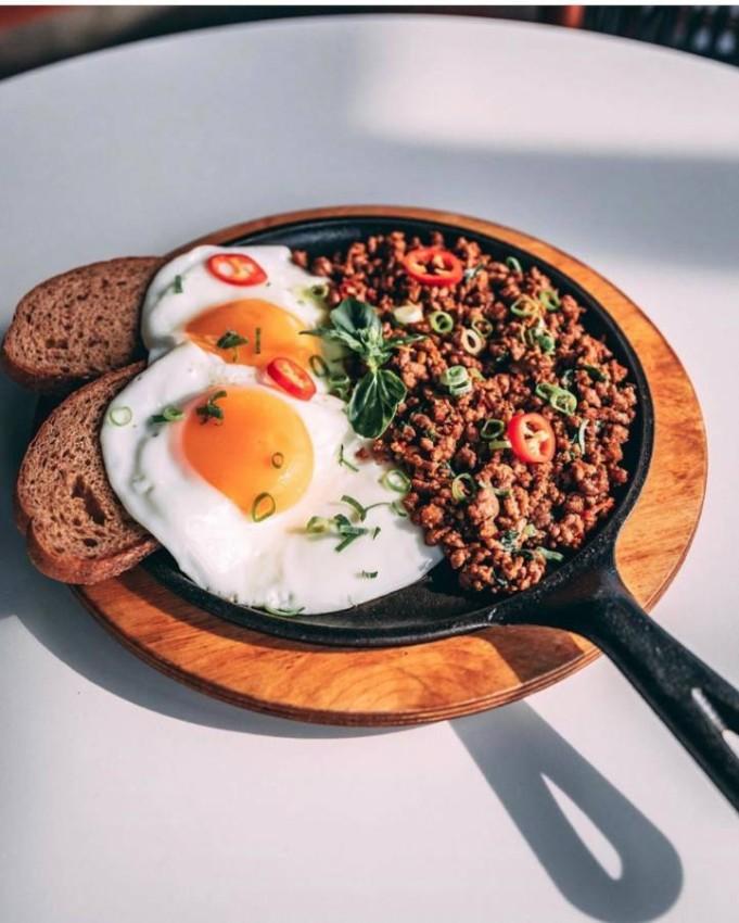 وجبات الإفطار في لينز إمارات تاورز