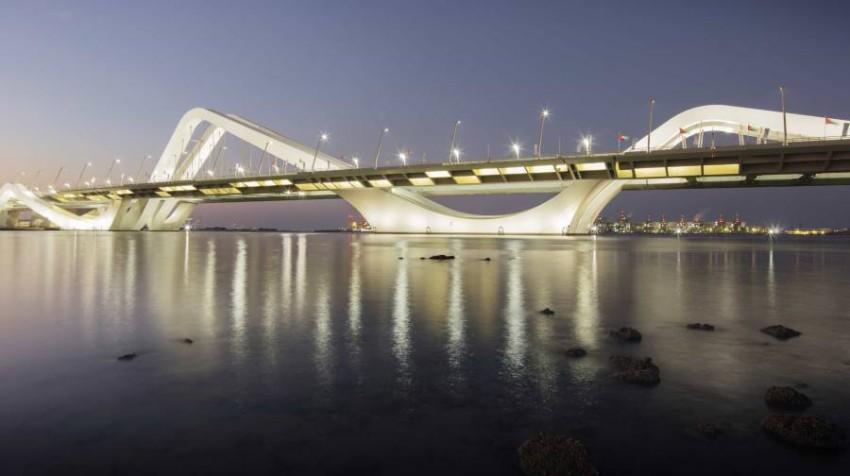 جسر الشيخ زايد في أبوظبي حمل توقيع زها حديد