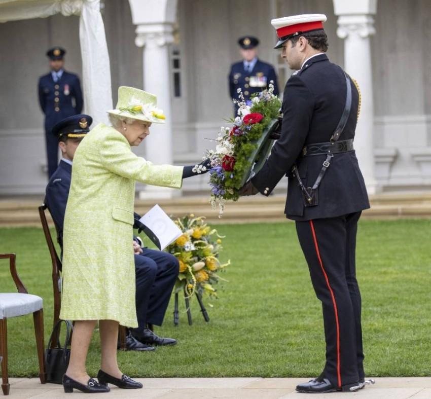 ملكة بريطانيا تعود لمهامها العامة بعد تخفيف إجراءات العزل أخبار صحيفة الرؤية
