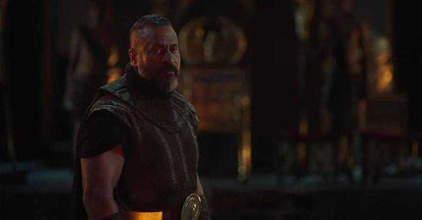 لقطات من مسلسل الملك