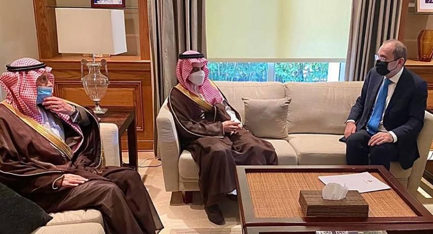 وزير الخارجية السعودي يستقبل وزير الخارجية الأردني - رويترز.