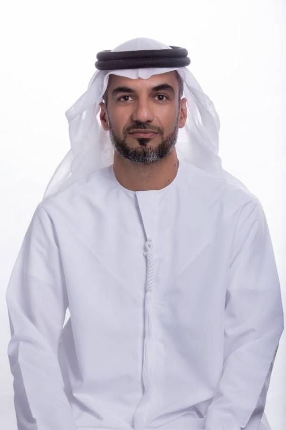 الدكتور عبدالعزيز الحمادي.