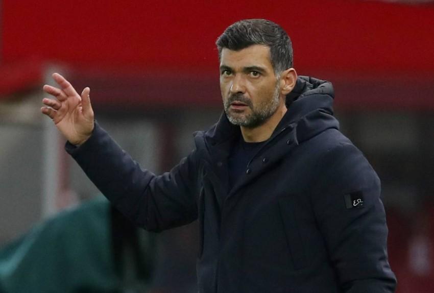 سيرجيو كونسيساو مدرب بورتو. (رويترز)