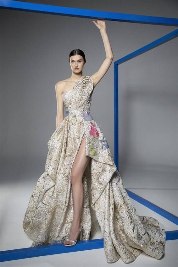 الفستان مع رسومات السندريلا