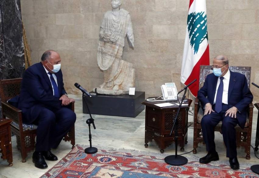 ميشال عون أثناء استقباله لوزير الخارجية المصري - رويترز.