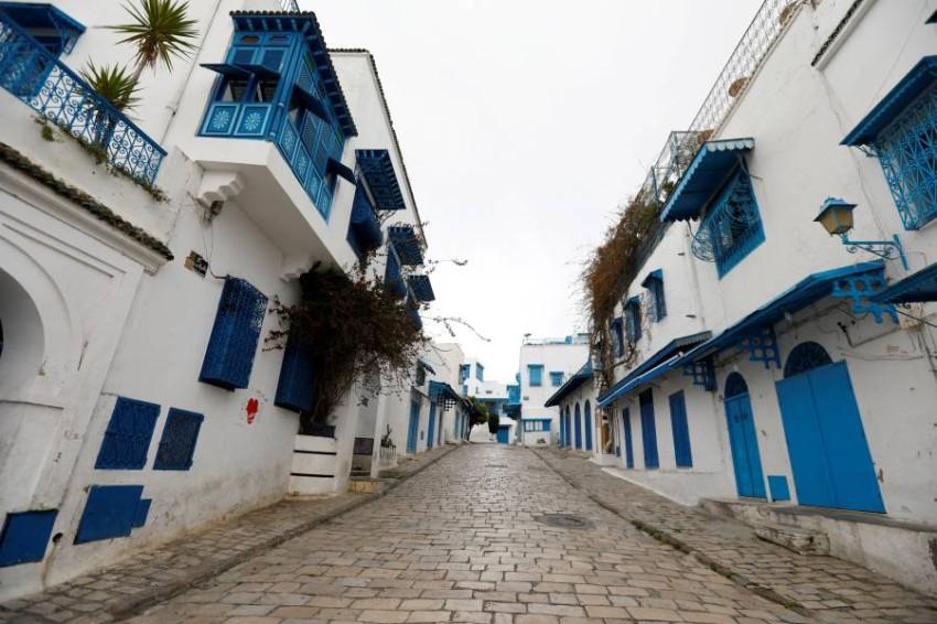 تشمل التدابير المشدّدة منع كلّ التجمّعات والتظاهرات العامّة وغلق الأسواق الأسبوعية. (تونس ـ رويترز )