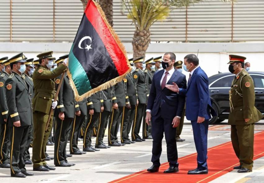 تتوالى زيارات الزعماء الأجانب إلى طرابلس مع تزايد الآمال في عودة الحياة إلى طبيعتها. (أ ف ب)