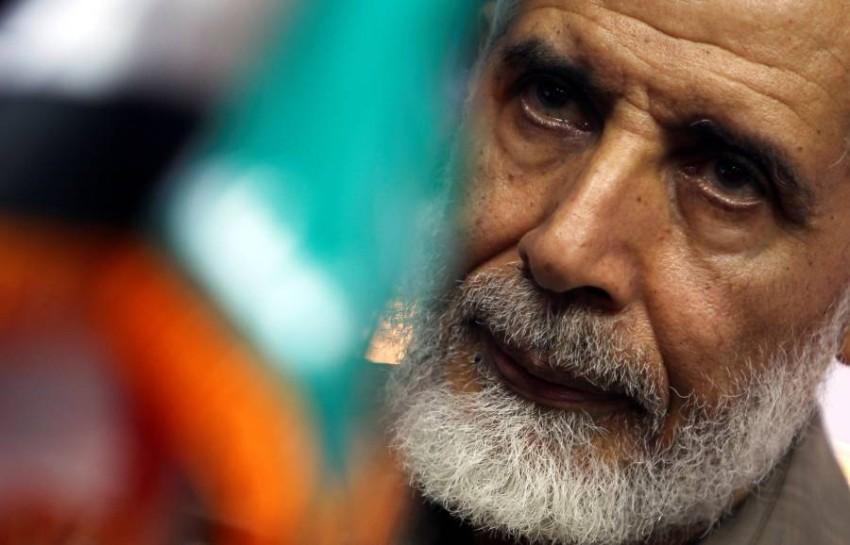 محمود عزت. (رويترز)
